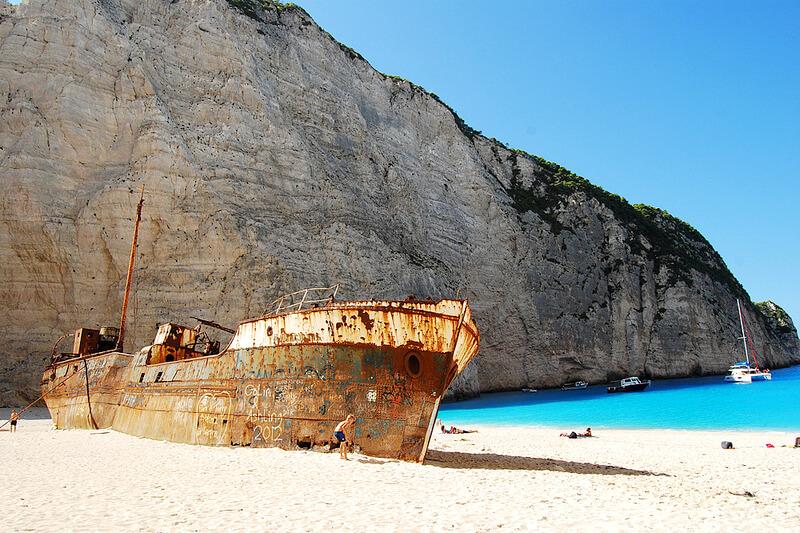 シップレックビーチ 難破船