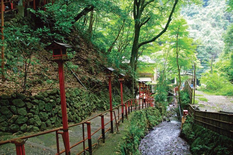 神奈川県・湯河原温泉に行くなら♪万葉公園を散策して独歩の湯で足湯を楽しもう!