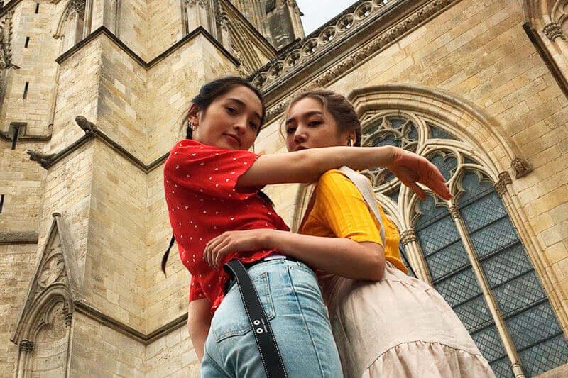 MEGBABYと佐藤かよが世界遺産の街フランスのボルドーへ。サンタンドレ大聖堂やミロワール・ドーに感動!