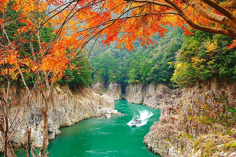 川下りもできちゃう♪風光明媚な紀伊半島・瀞峡で渓谷美を堪能しよう!