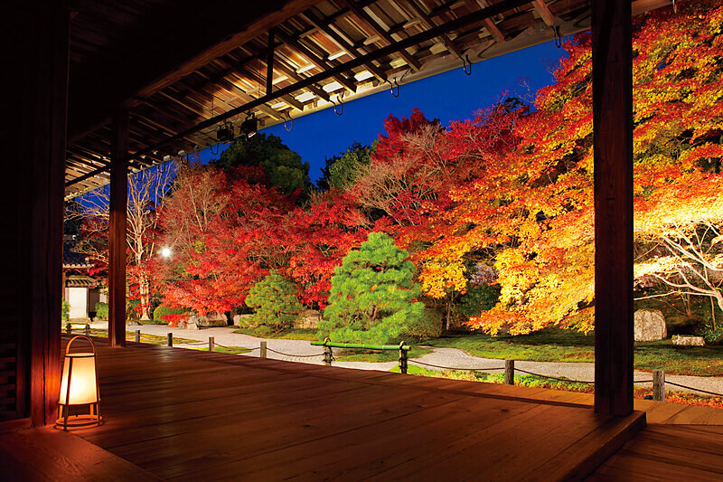 まるで絵画のよう!?紅葉に染まる京都の「南禅寺」で秋を感じよう