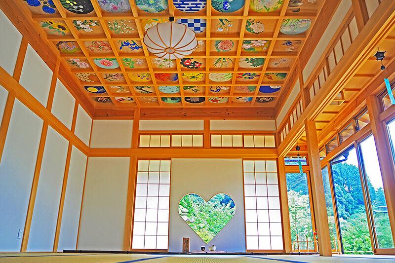 正寿院・猪目窓と天井画