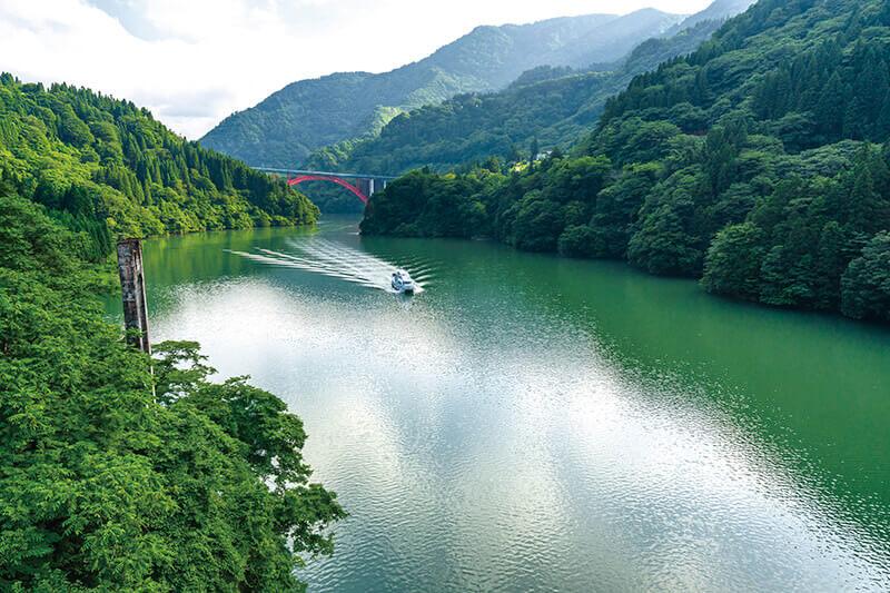 大牧温泉への船