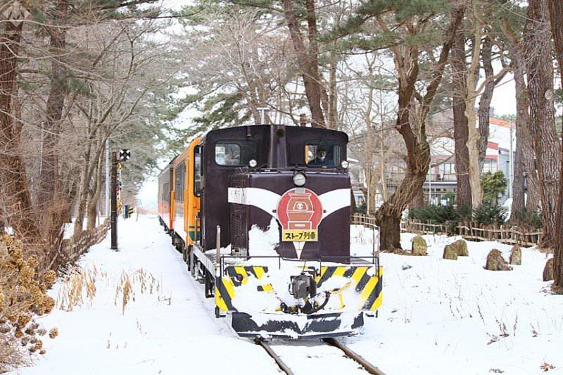 【津軽 旅行記】冬の風物詩「ストーブ列車」で雪国情緒あふれる旅へ