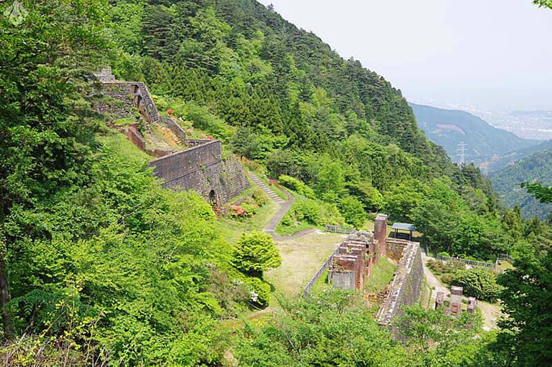 """""""東洋のマチュピチュ""""と呼ばれる天空の町・別子銅山跡を訪ねる旅"""
