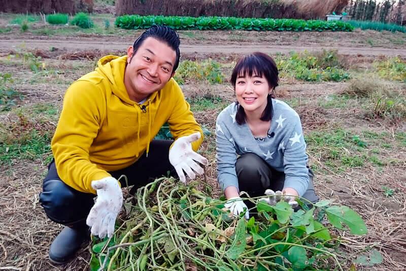菊池桃子と旬の味覚狩り体験 ©関西テレビ