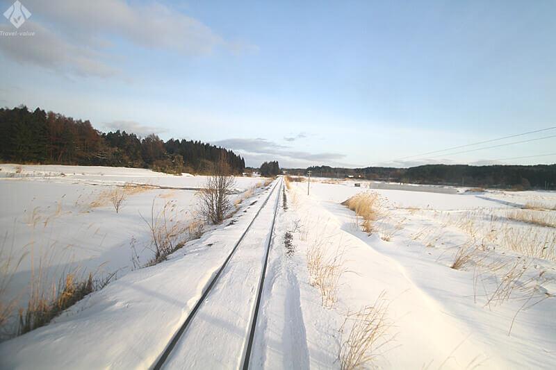 津軽鉄道・普通列車「走れメロス号」からの車窓風景