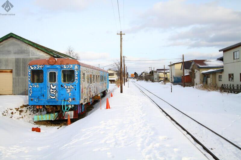 津軽鉄道・嘉瀬駅「キャンパス列車」