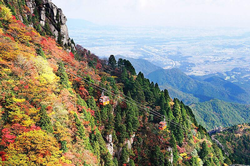 三重県にある紅葉の名所「御在所岳」!山は絶景の秋模様!
