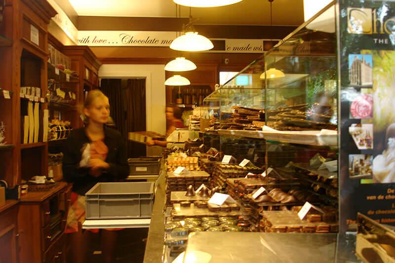 ベルギー・ブルージュ チョコレートライン