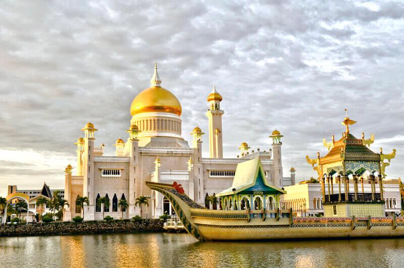 ブルネイ オールドモスク スルターン・オマール・アリ・サイフディーン・モスク