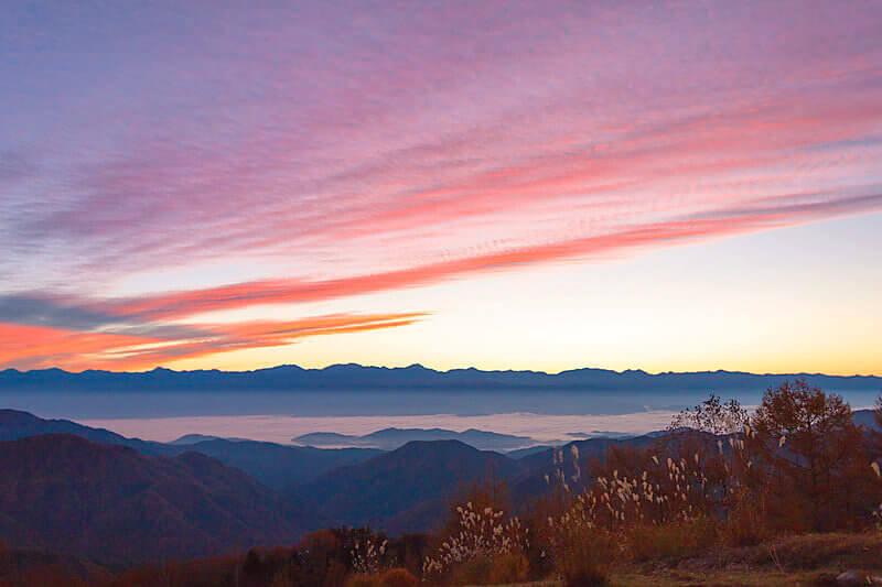 星空に雲海、紅葉も満喫!大パノラマの富士見台高原で天空の絶景に酔いしれる