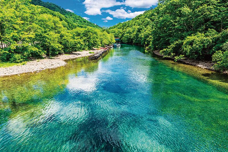 札幌から車で1時間!北海道に行ったらぜひ観たい絶景の湖「支笏湖」
