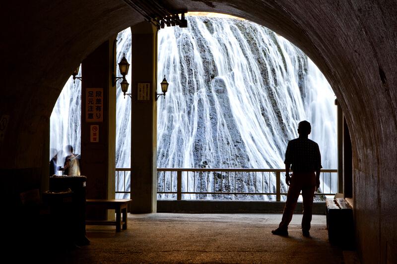 茨城県の名瀑「袋田の滝」が関東日帰りドライブにおすすめ!新緑も紅葉も氷瀑も楽しめる!