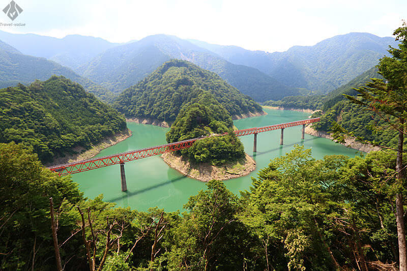 展望所・「奥大井湖上駅」と橋梁「奥大井レインボーブリッジ」