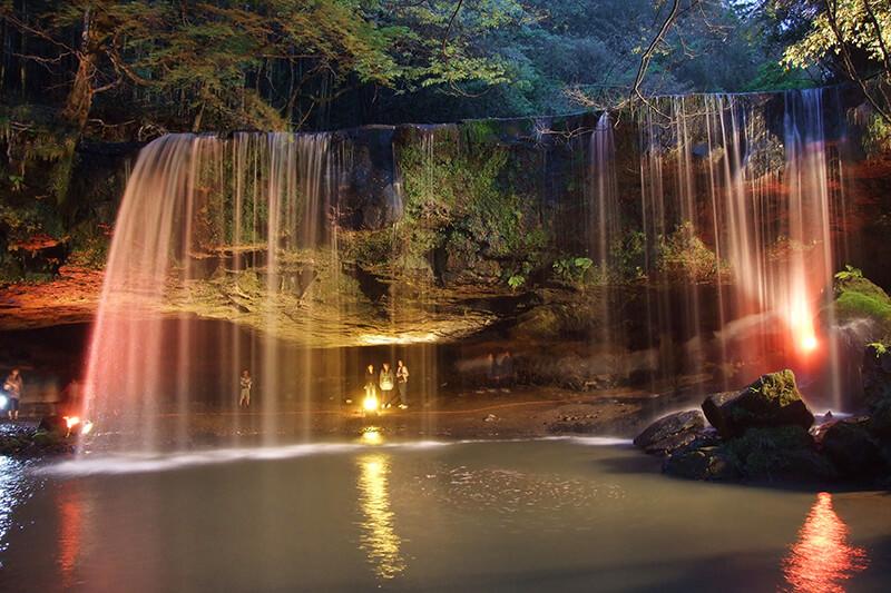 熊本県小国町 鍋ヶ滝 ライトアップ