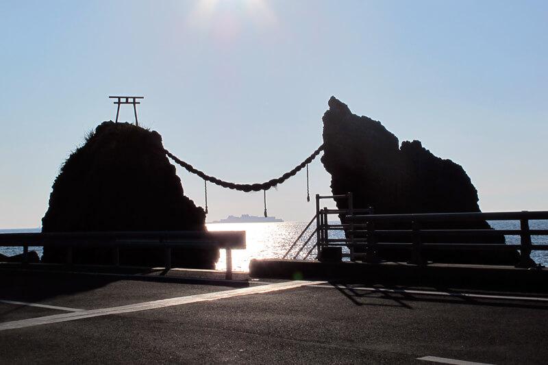 夫婦岩 写真提供:長崎県観光連盟