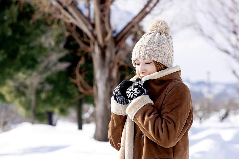 暖かい服装 女性