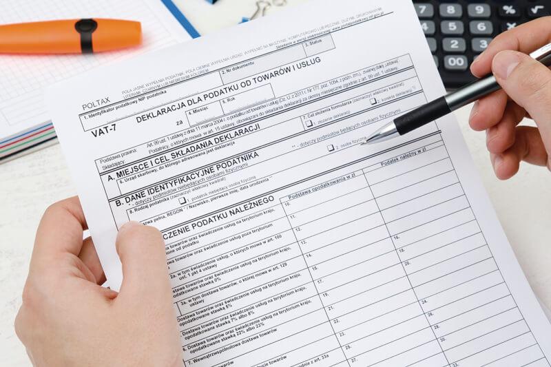 ポーランド申告 VAT 7 用紙