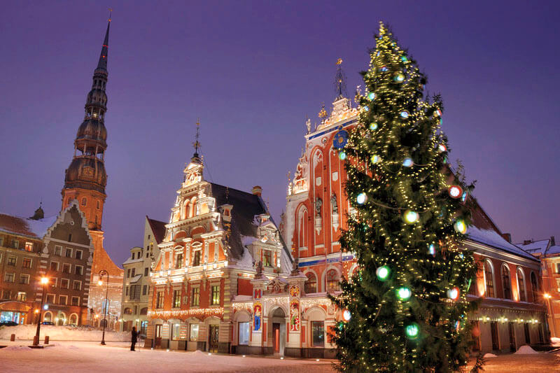 リガ 市庁舎広場 クリスマスツリー