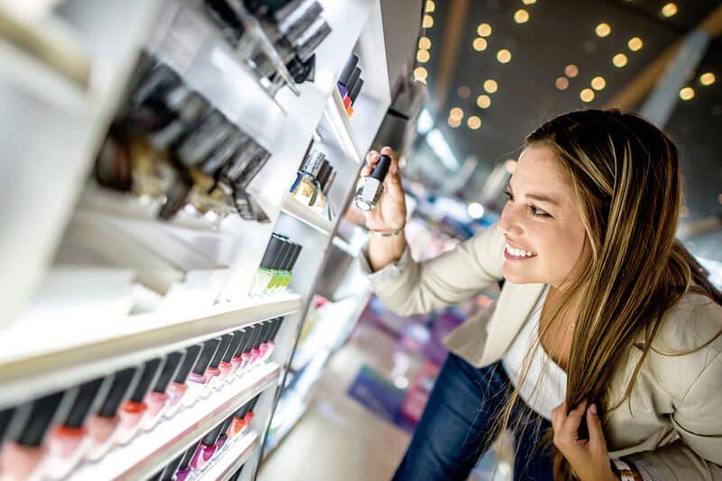 女性用化粧品の購入:イメージ