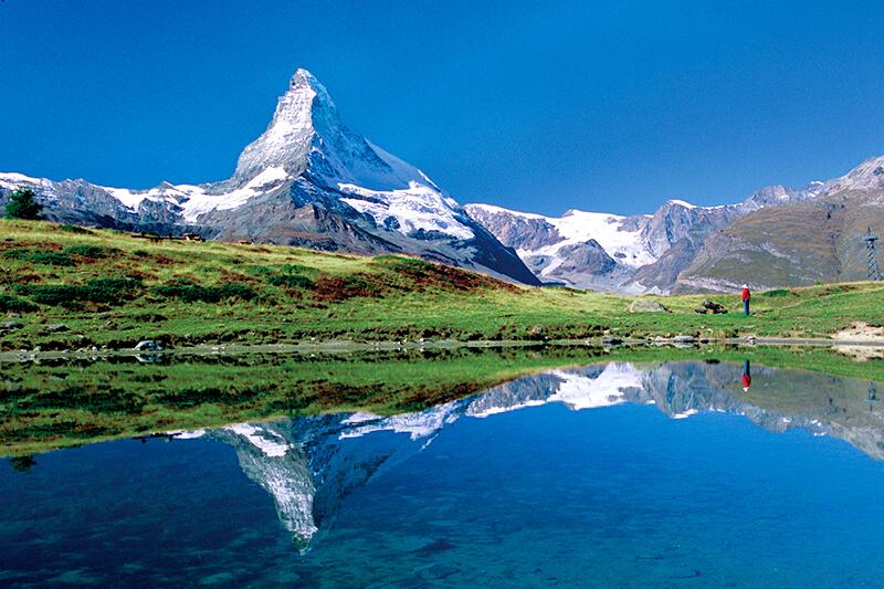 スイスの観光地人気ナンバーワン!「マッターホルン」を見に行こう!