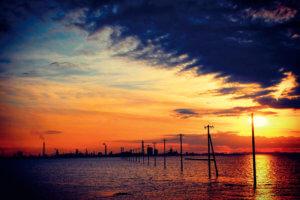 江川海岸の海中電柱 夕焼け