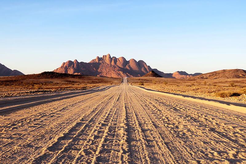 砂漠地帯ならではの絶景