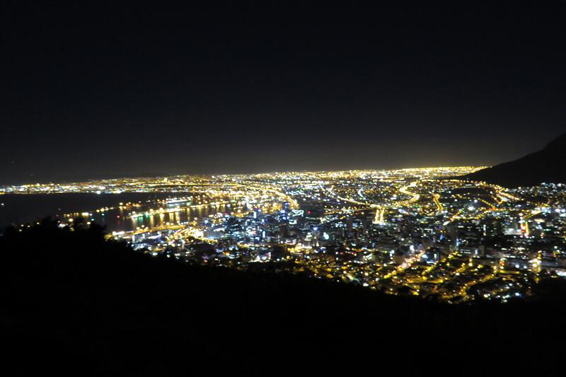ケープタウン シグナルヒルの夜景