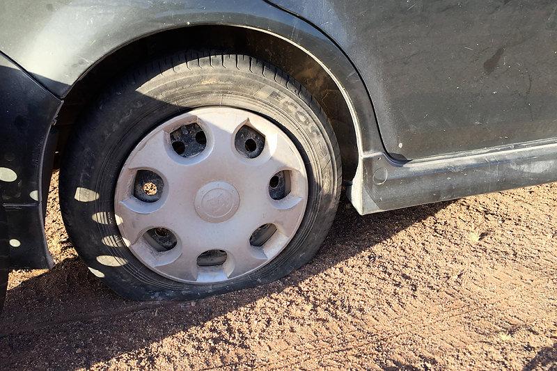 タイヤがパンク