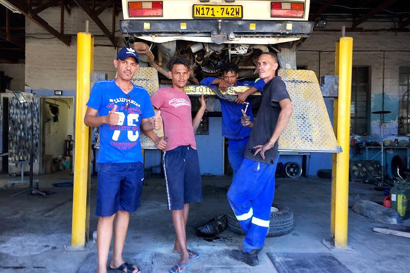 ナミビアの車の修理屋さん