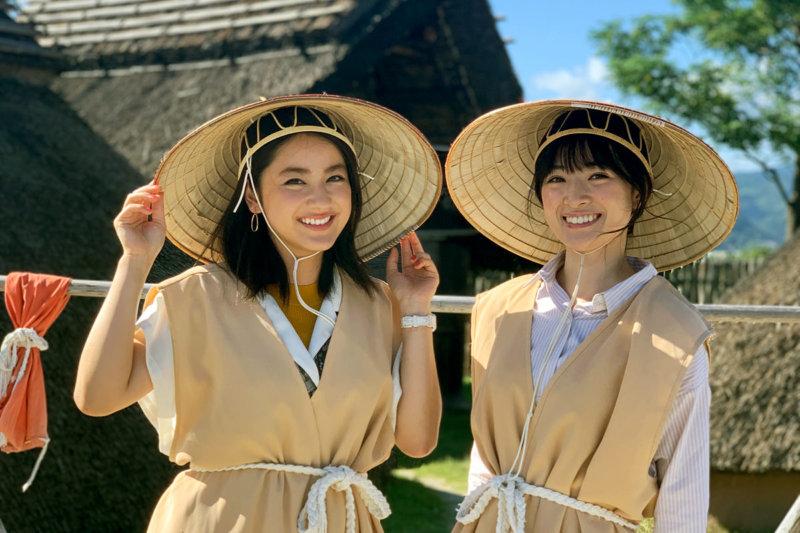 平祐奈と優希美青が佐賀県の呼子、唐津へ。吉野ヶ里遺跡では二人も大興奮!