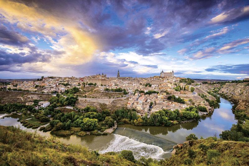 スペイン・マドリードから日帰りOK!! 美しき世界遺産の街「トレド」へ