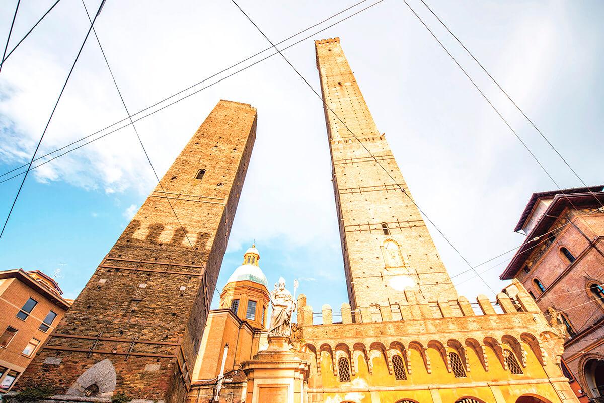 ボローニャ 二つの塔