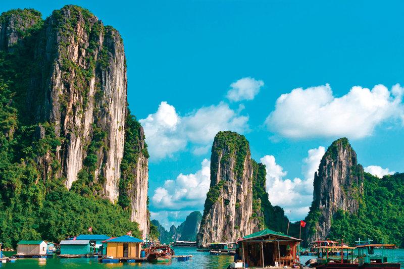 ベトナムの世界遺産「ハロン湾」でクルージングや洞窟探検をしてみよう!!