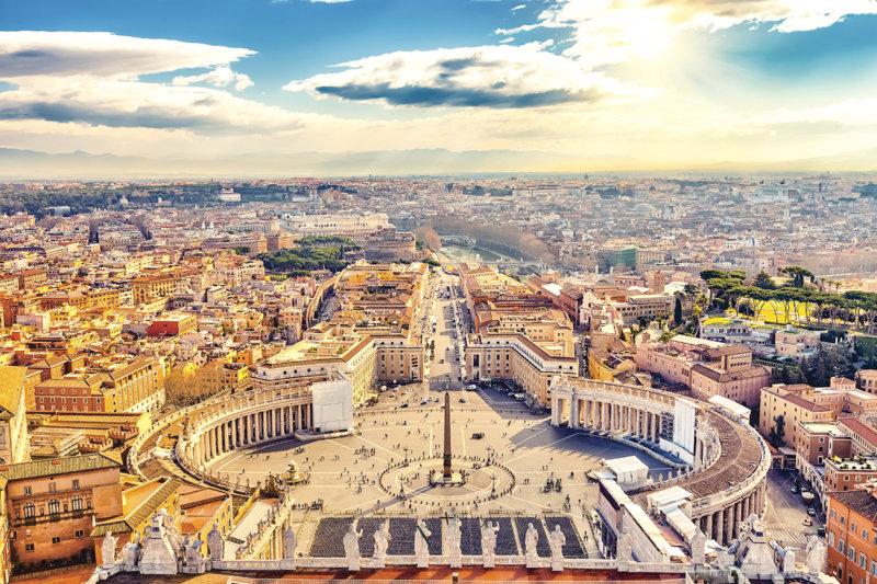 カトリックの総本山で世界遺産の景色が観られる世界一小さい国「バチカン市国」をご紹介!