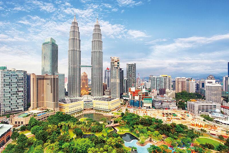高層ビルと熱帯雨林のジャングルが共存するマレーシアがひとり旅女子におすすめな6つの理由。