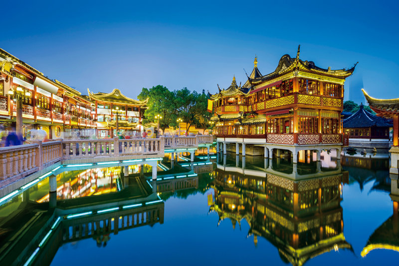 上海旅行でレトロな中国を感じられる「豫園商城」でライトアップ&中華グルメを満喫しよう!!