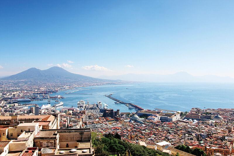 「ナポリを見てから死ね」というのも納得の美しさ!! イタリア「ナポリ」のおすすめ観光スポット6選&グルメとは?