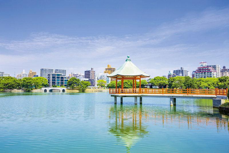 都会の真ん中にある癒しスポット。福岡市「大濠公園」をご紹介!