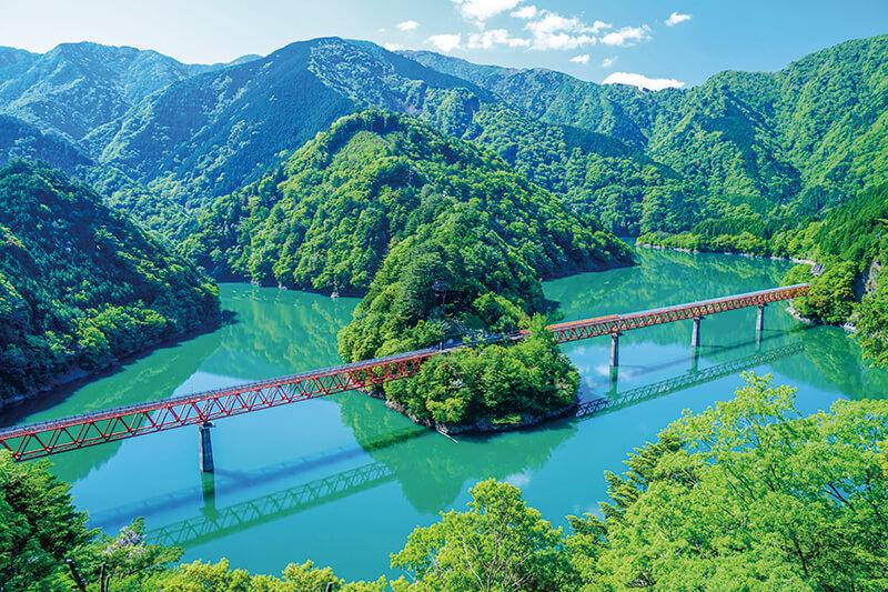 フォトジェニックな秘境駅!! 静岡県「大井川鐵道・奥大井湖上駅」で絶景を撮ろう。