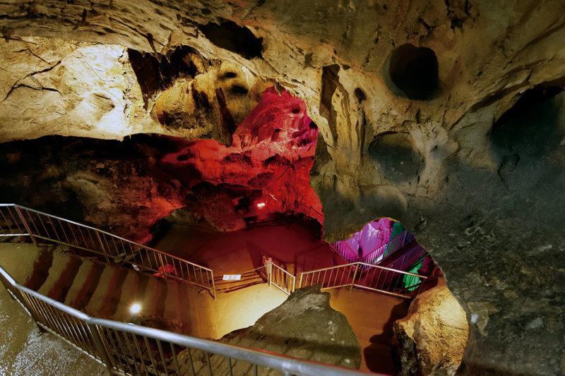 関東最大の鍾乳洞!! 群馬県上野村「不二洞(ふじどう)」で出会う神秘的な光景