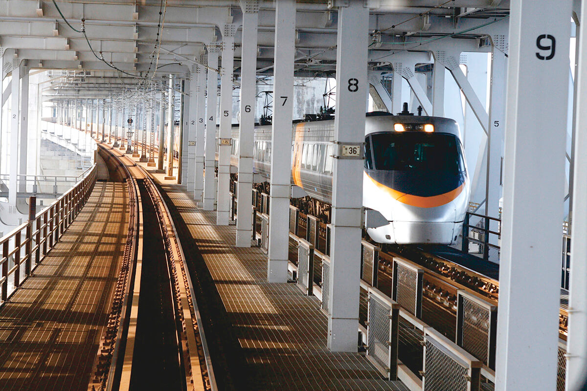 瀬戸大橋を電車で渡る 瀬戸大橋の構造美