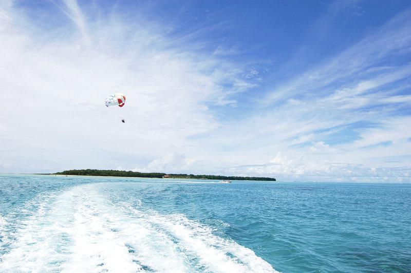 グアムの離島、ココス島で満喫!! 透明度抜群の海と白い砂浜で豊富なアクティビティを楽しもう!