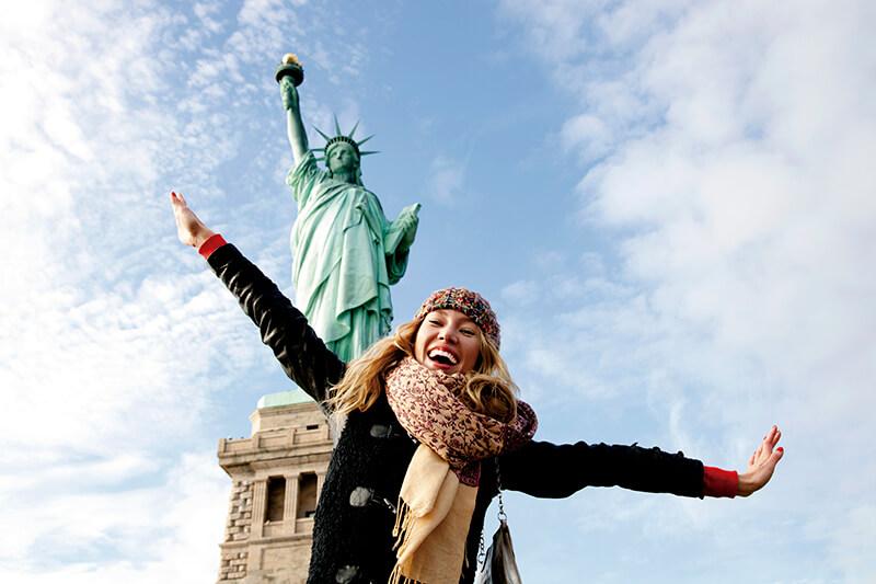 ニューヨーク「自由の女神」 大人気の王冠まで登るツアーに参加するには?