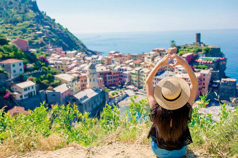イタリア屈指の美しい海岸線!! 世界遺産「チンクエテッレ」のフォトジェニックな絶景を見に行こう。