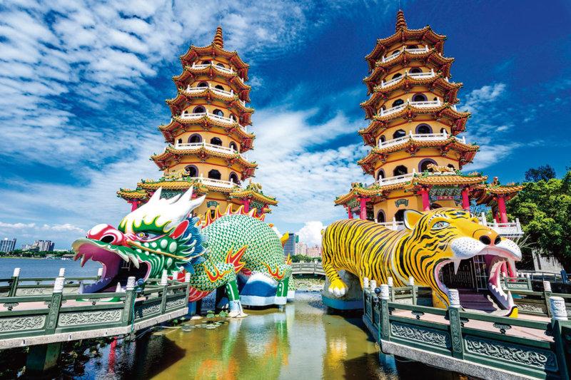 台湾観光で必ず訪れるべき!! 高雄のパワースポット「蓮池潭(れんちたん)」へ行ってみよう。