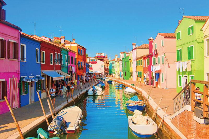 色トリドリの街並みが超かわいい!! イタリア「ブラーノ島」とはどんな島?