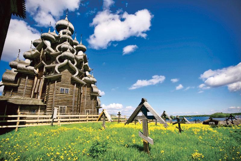 木造建築の教会が美しすぎる世界遺産の島「キジ島」に行こう!!