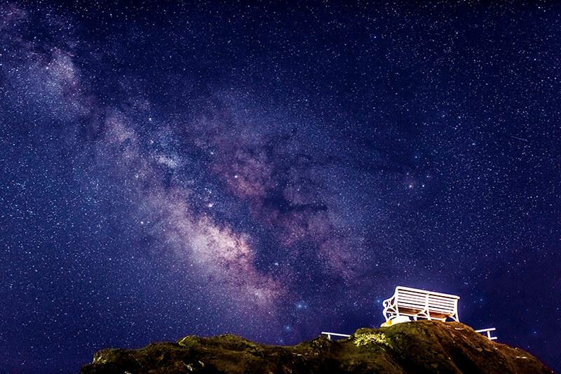 野島崎 白いベンチと天の川